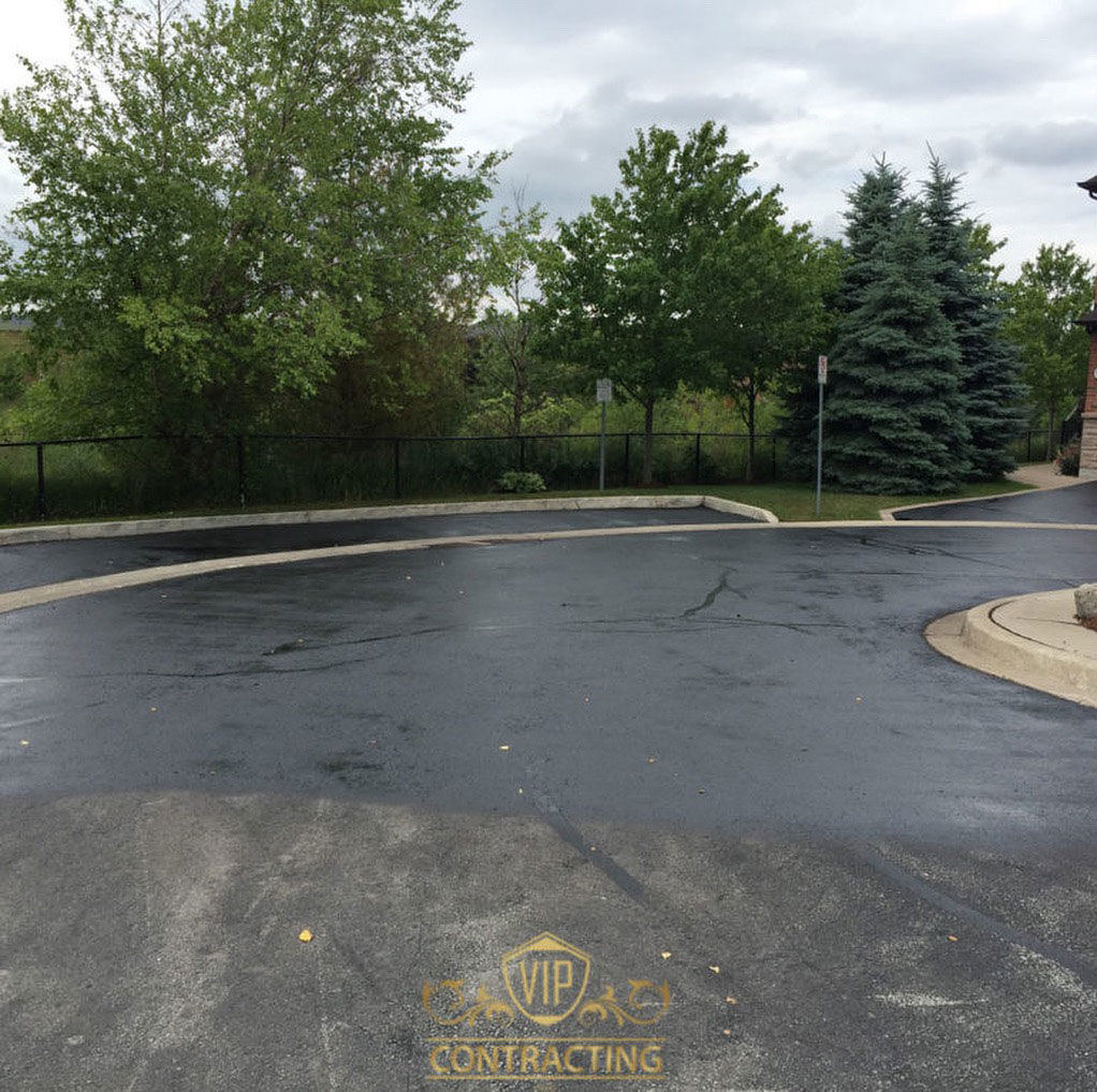 driveway-sealing contractors