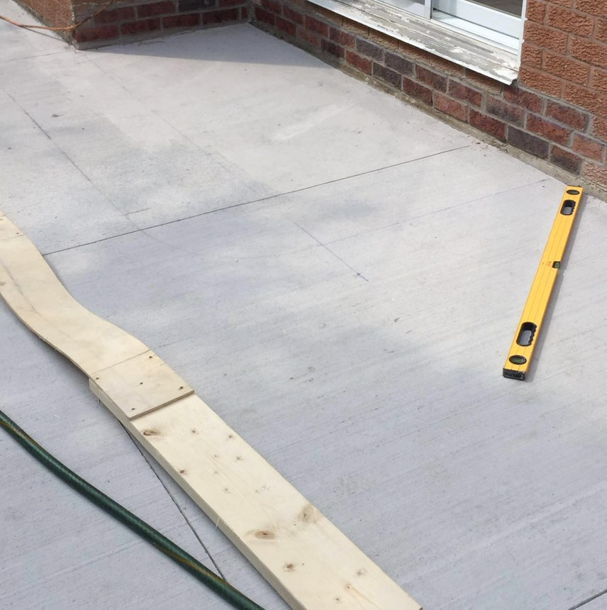 in progress of fixing cracked concrete