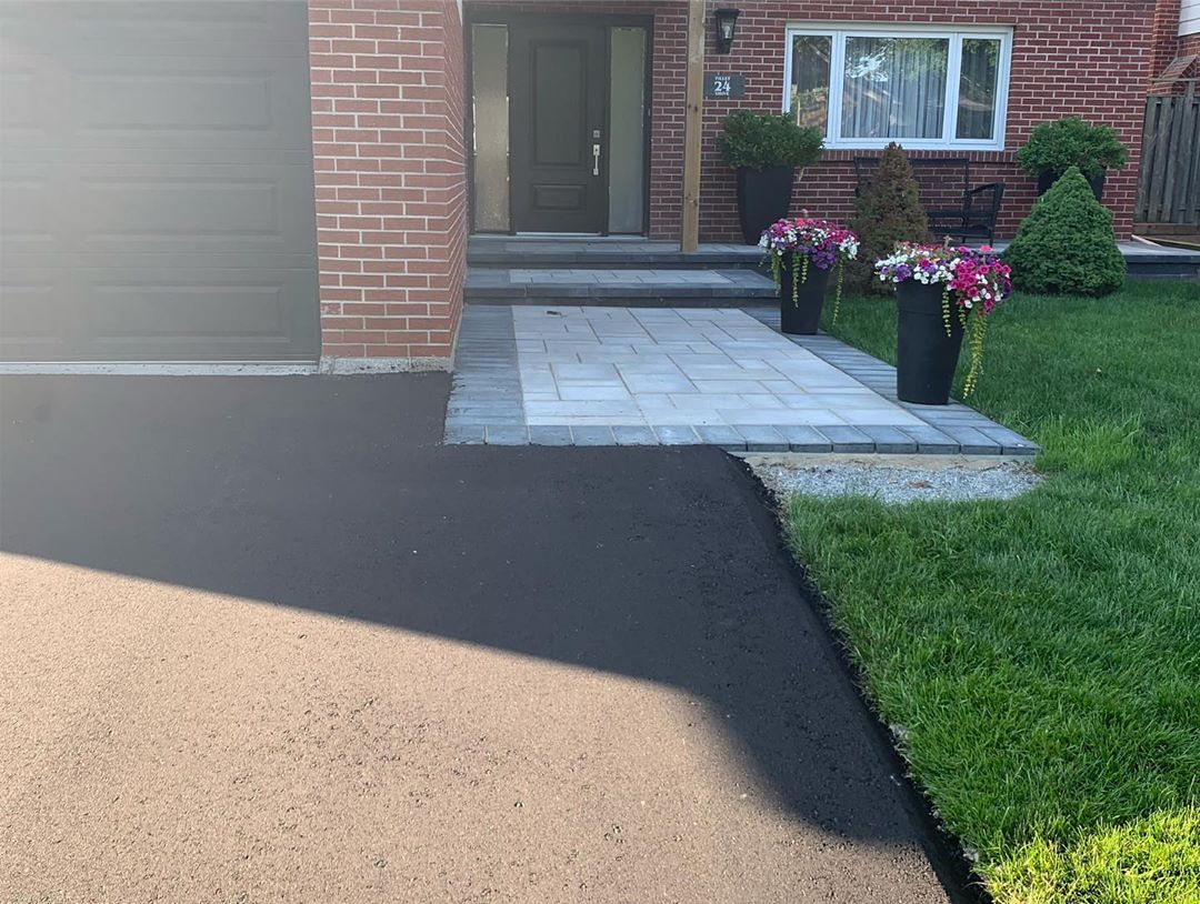 driveway asphalt paving project by vip paving Mississauga